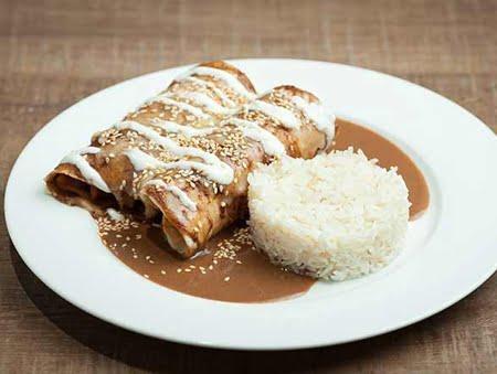 Imagine cu Enchiladas de mole