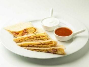 omlete-quesedilla