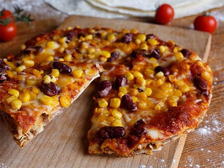 Imagine cu Chicken Tortilla Pizza