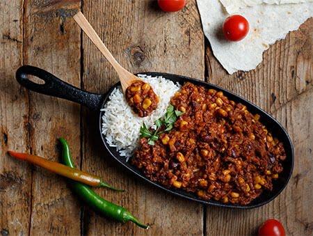 Imagine cu Chilli con carne cu orez basmati