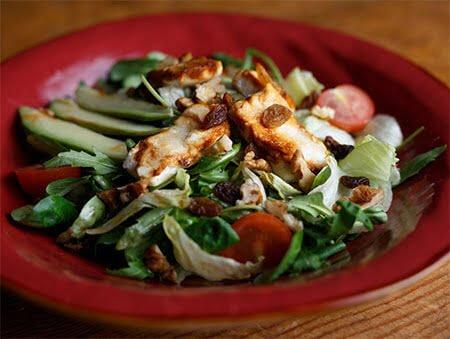 Imagine cu Salata cu branza de capra caramelizata de la POKKA